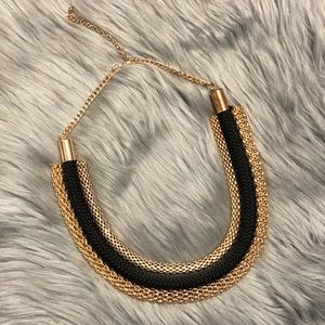 Jewelry - Gold and black necklace